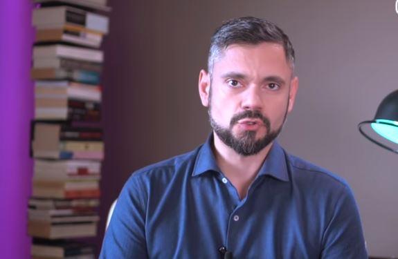 Κορωνοϊός: Ο ψυχίατρος Δημήτρης Παπαδημητριάδης μας λέει όλα όσα πρέπει να ξέρουμε[βίντεο]