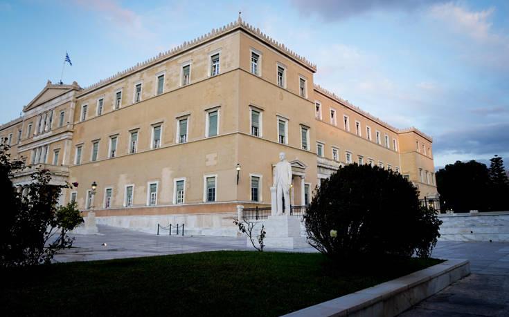 Φορολογική ενημερότητα αυτόματα και ψηφιακά: Πρώτος φορέας που θα αξιοποιήσει τις εφαρμογές η  Βουλή