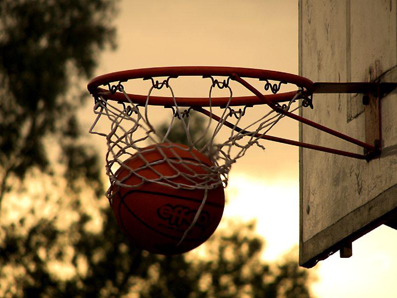 Αγρίνιο: Ένας 56χρονος και ένας 61χρονος συνελήφθησαν επειδή έπαιζαν μπάσκετ