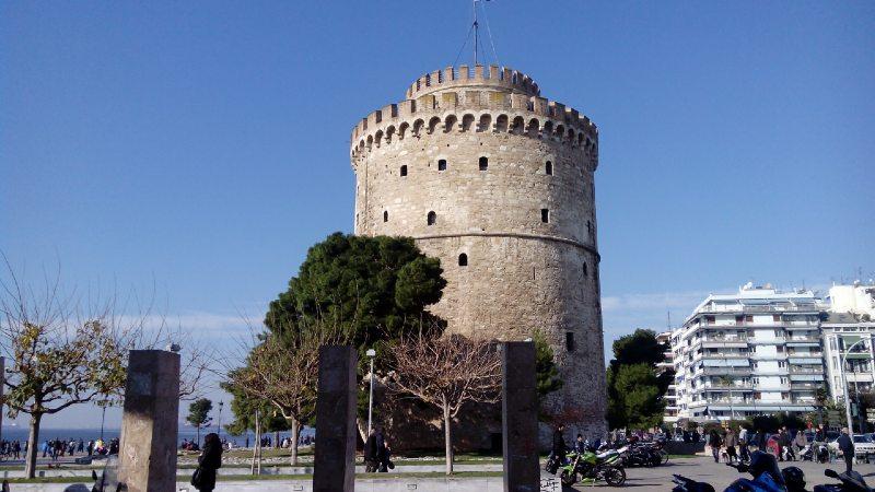 Θεσσαλονίκη: Προσφέρει δωρεάν το διαμέρισμά του σε γιατρούς και νοσηλευτές [φωτο]