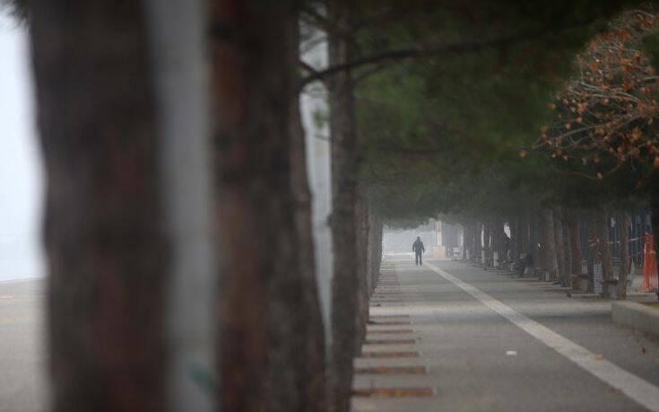 Κορονοϊός: Κλείνουν με κιγκλιδώματα την παραλία της Θεσσαλονίκης