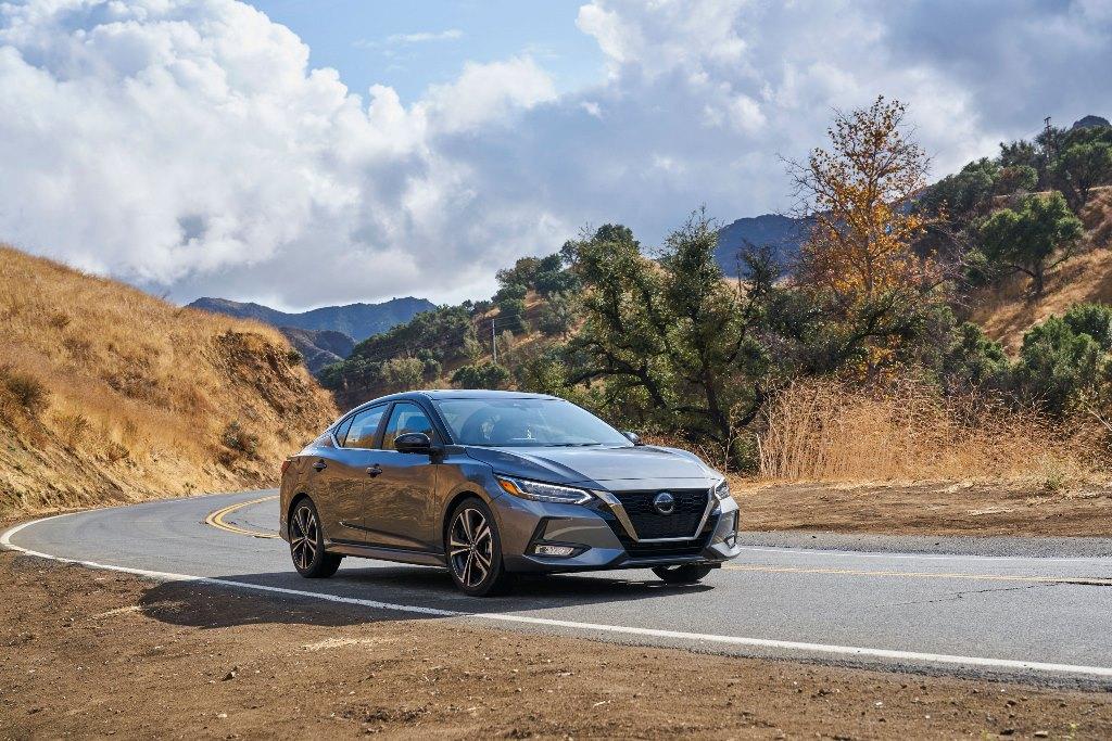 """Το Nissan Sentra ένα από τα """"Καλύτερα Νέα Αυτοκίνητα του 2020"""" του Autotrader, στις Η.Π.Α."""