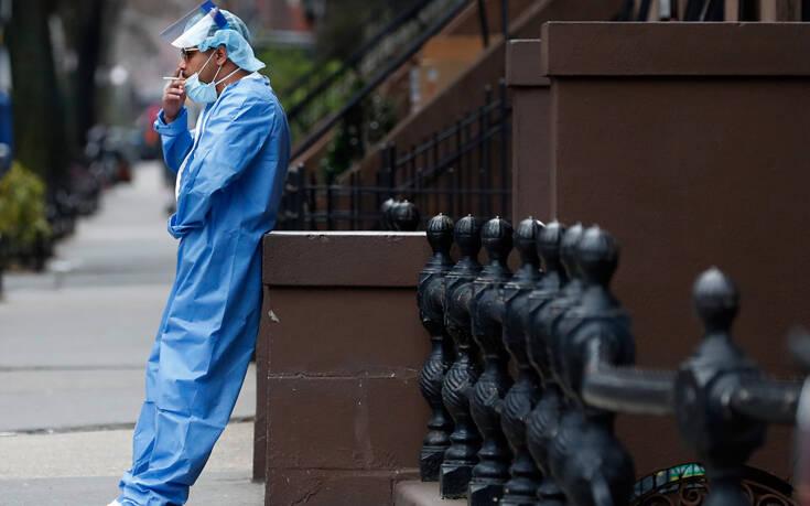 ΗΠΑ: Πιθανόν στη δουλειά μολύνθηκαν με κορονοϊό οι μισοί εργαζόμενοι στην υγεία που ασθενούν