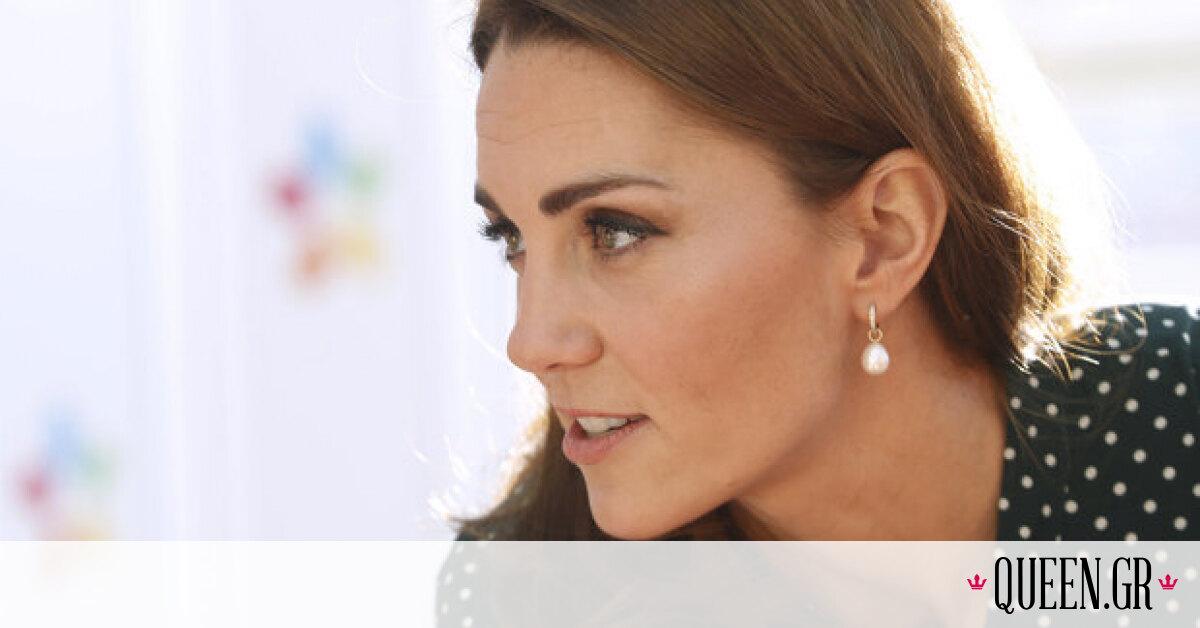 H Kate Middleton, φορώντας ένα συγκεκριμένο φόρεμα, βοήθησε με τον τρόπο της γιατρούς και νοσηλευτές