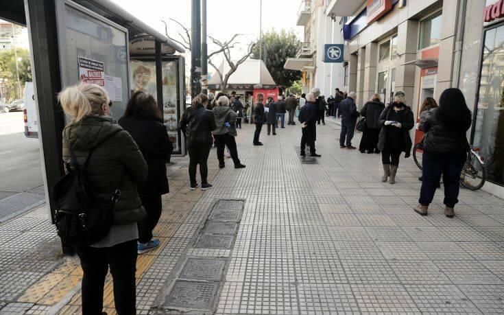 Κορονοϊός: Νέα μέτρα στο τραπέζι και τι θα γίνει με εφορίες, λαϊκές, σουπερμάρκετ
