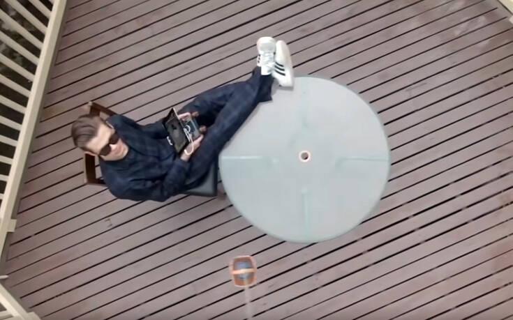 Έστειλε το drone να του φέρει καφέ απ' έξω