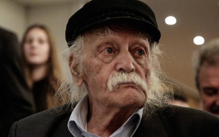 Βαθύτατη θλίψη για τον θάνατο του Μανώλη Γλέζου εκφράζουν οι δικηγόροι