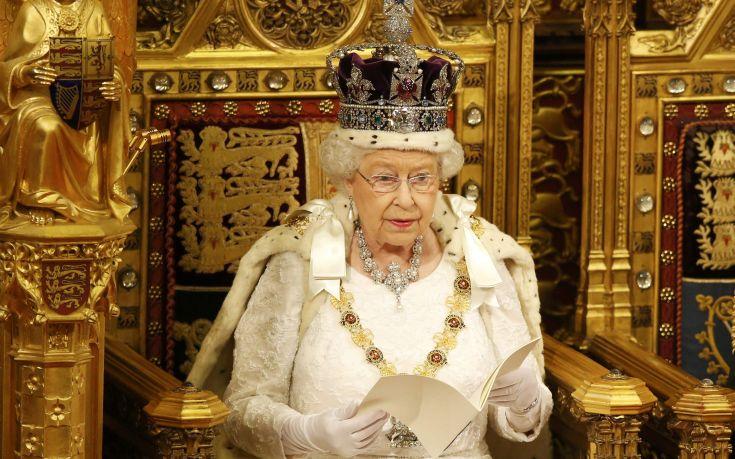 Βασίλισσα Ελισάβετ: Γενέθλια χωρίς κανονιοβολισμούς λόγω κορονοϊού