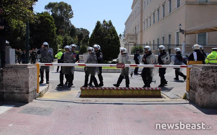 Μοτοπορεία στην Αθήνα από εργαζόμενους στον τουρισμό και τον επισιτισμό