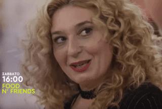 """Η Φαίδρα Δρούκα αναστατώνει την κουζίνα του «Food n"""" Friends» (trailer)"""