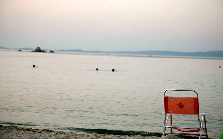 Καμπάνια και τουρισμός σε στιλ 90s για να περιοριστούν οι απώλειες του κορονοϊού