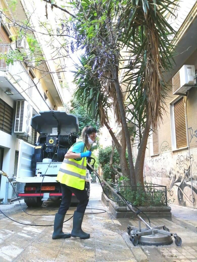 Καθαριότητες από το Δήμο Αθηναίων στη Νεάπολη Εξαρχείων