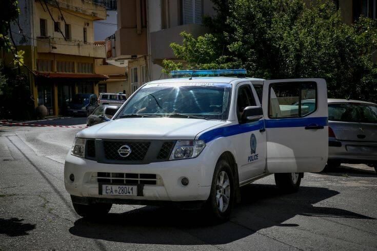 Φονικό στα Ανώγεια: Παραδόθηκε στην αστυνομία ο γιος του 63χρονου μαντιναδολόγου