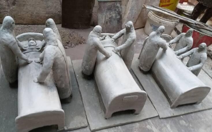 Το γλυπτό για τους χιλιάδες νεκρούς από τον κορονοϊό