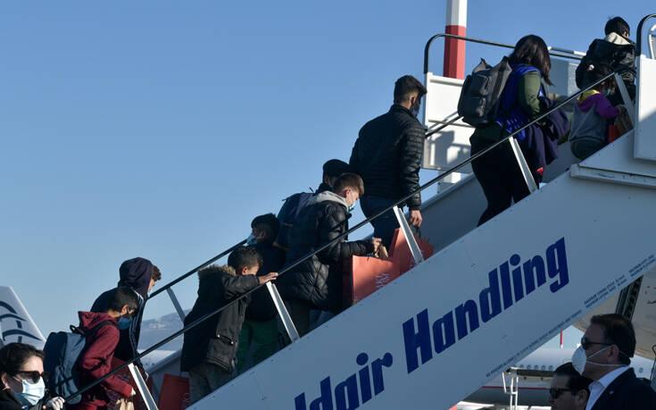 Στη Γαλλία θα μετεγκατασταθούν από την Ελλάδα 400 αιτούντες άσυλο και 350 ασυνόδευτοι ανήλικοι