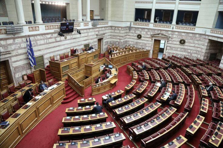 Ενός λεπτού σιγή στην Ολομέλεια της Βουλής για τον θάνατο του Δημήτρη Κρεμαστινού