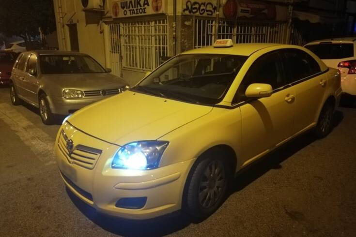 Οδηγός ταξί στην Αθήνα: Σeξουαλική παρενόχληση, μαχαίρια και κορονοϊός
