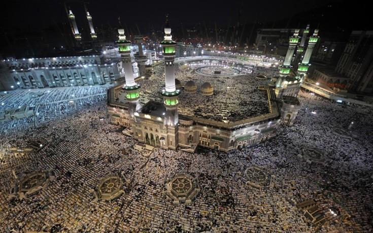 Με «πολύ περιορισμένο αριθμό» πιστών το μεγάλο προσκύνημα στη Μέκκα