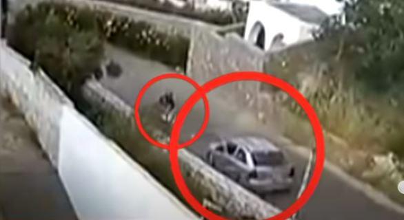Τρομακτικό τροχαίο στην Κρήτη: Η στιγμή που 24χρονος μοτοσικλετιστής εκσφενδονίζεται στον αέρα (βίντεο)