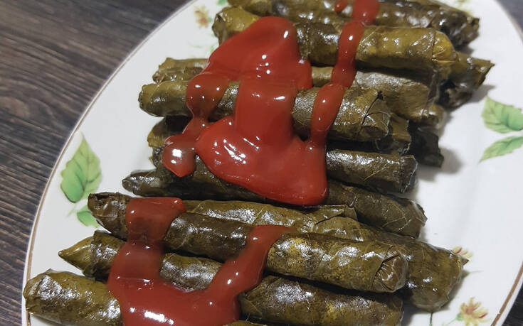 «Έλληνες, Τούρκοι ενωθείτε, όχι κέτσαπ στα ντολμαδάκια»