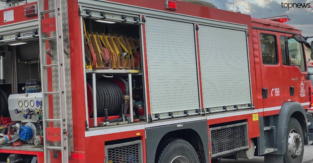 Πυρκαγιά σε βυτιοφόρο: Ανασύρθηκε άντρας χωρίς τις αισθήσεις του