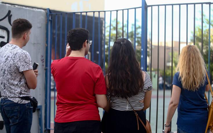Πανελλήνιες 2020: Με ένα τραγούδι εύχεται καλή επιτυχία στους μαθητές ο Αλέξης Τσίπρας