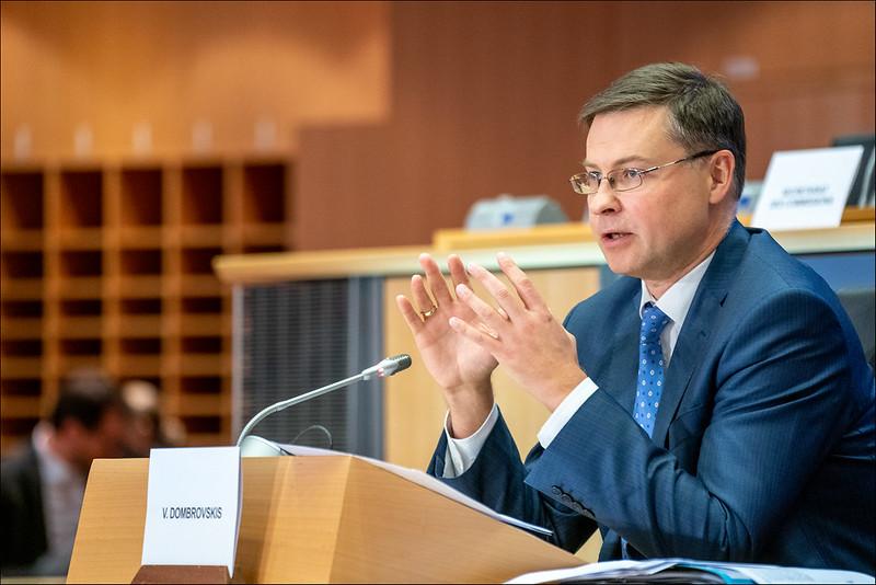 Ντομπρόβσκις: Η Ελλάδα στις 4 πιο ωφελημένες από το πακέτο της Κομισιόν