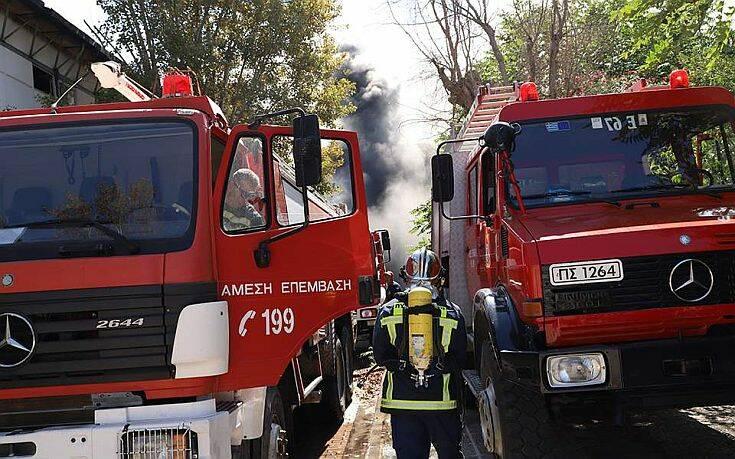 Πανικός από πυρκαγιά στον Άλιμο – Εκκενώθηκε πολυκατοικία