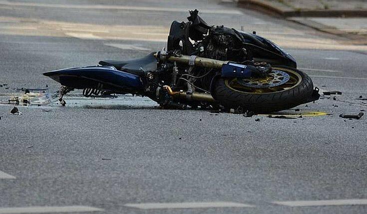 Τροχαίο με μηχανή στη Χαλκίδα – Σοβαρά τραυματισμένος ο οδηγός