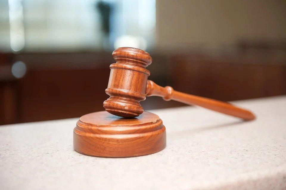 Μια 62χρονη γιαγιά καταδικάστηκε για προσβολή γενετήσιας αξιοπρέπειας της 6χρονης εγγονής της