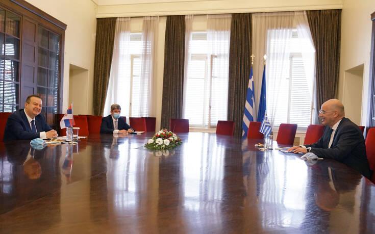 Δένδιας: Ισχυροί οι δεσμοί Ελλάδας – Σερβίας