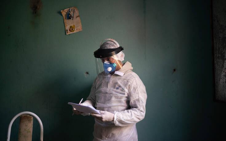 Πάνω από 490.000 οι νεκροί και τουλάχιστον 9.6 εκατ. τα κρούσματα του κορονοϊού σε όλο τον κόσμο