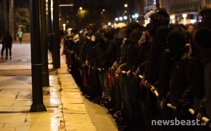 Νομοσχέδιο για διαδηλώσεις: Ο οργανωτής, ο ενισχυμένος ρόλος της αστυνομίας και οι εξαιρέσεις