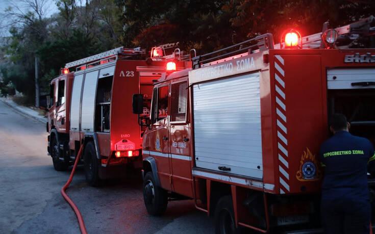 Φωτιά τώρα σε διαμέρισμα στο Γαλάτσι