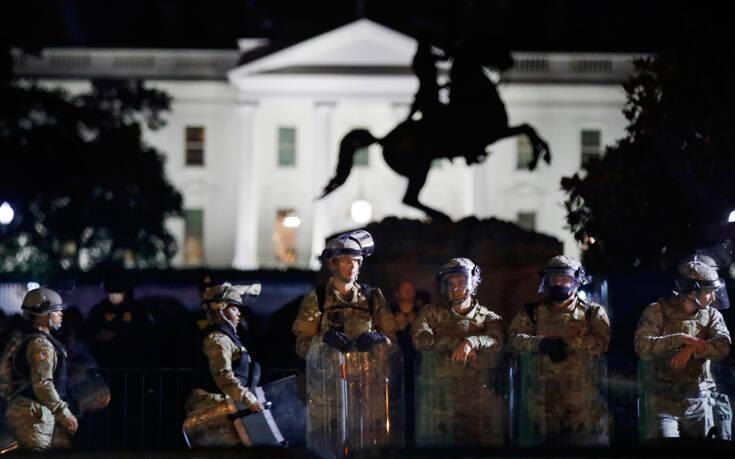 Πάνω από 1.600 στρατιώτες στην Ουάσινγκτον και νέες διαδηλώσεις – 60.000 άνθρωποι τίμησαν τη μνήμη του Τζόρτζ Φλόιντ στο Χιούστον