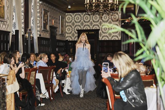 Η Εβδομάδα Μόδας της Νέας Υόρκης μπαίνει σε μια νέα εποχή