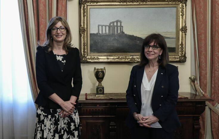 Συνάντηση Σακελλαροπούλου με την αναπληρώτρια πρωθυπουργό της Βουλγαρίας με φόντο την πανδημία και τα ελληνοτουρκικά