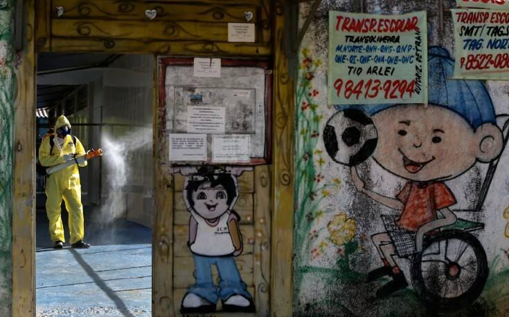 Τρομακτικοί οι αριθμοί στη Βραζιλία: 57.837 κρούσματα κορονοϊού σε ένα 24ωρο