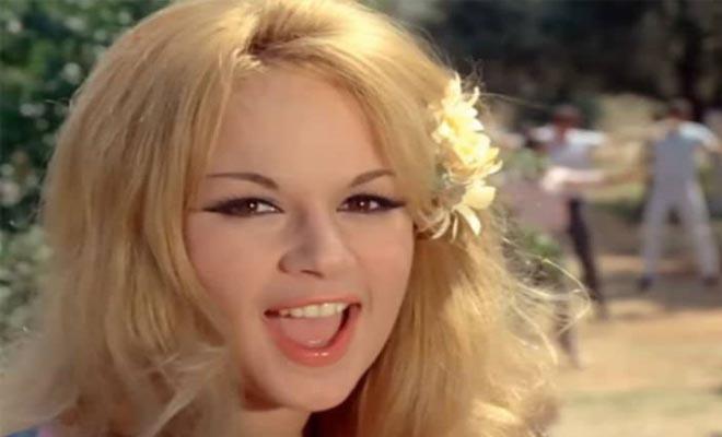 Ήμασταν σε έναν γάμο με την Αλίκη Βουγιουκλάκη και ήρθε μια κοπέλα και της τράβηξε τα μαλλιά