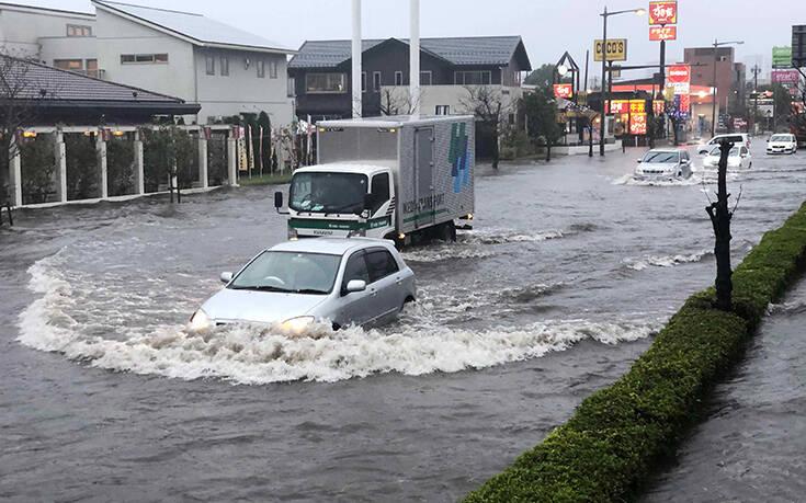 Οι πλημμύρες στην Ιαπωνία στοίχισαν τη ζωή σε τουλάχιστον 58 ανθρώπους