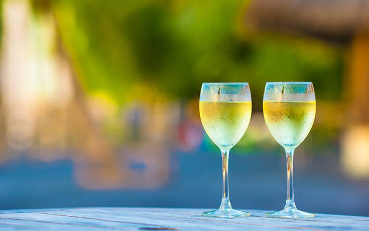 Ο αλλιώτικος τρόπος να κρατάς δροσερό το κρασί σου