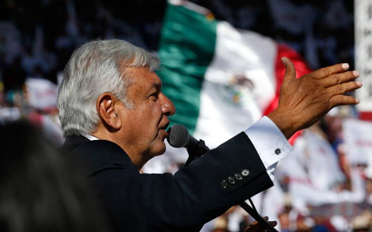 Ο πρόεδρος του Μεξικού δωρίζει μέρος του μισθού του στη μάχη κατά του κορονοϊού