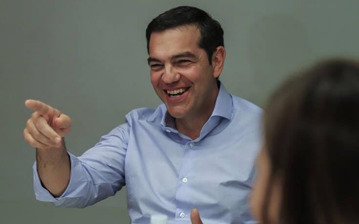 Τσίπρας για Μητσοτάκη: Υποτιμά τη νοημοσύνη των Ελλήνων, μιλώντας για «αέρα αισιοδοξίας» στην οικονομία