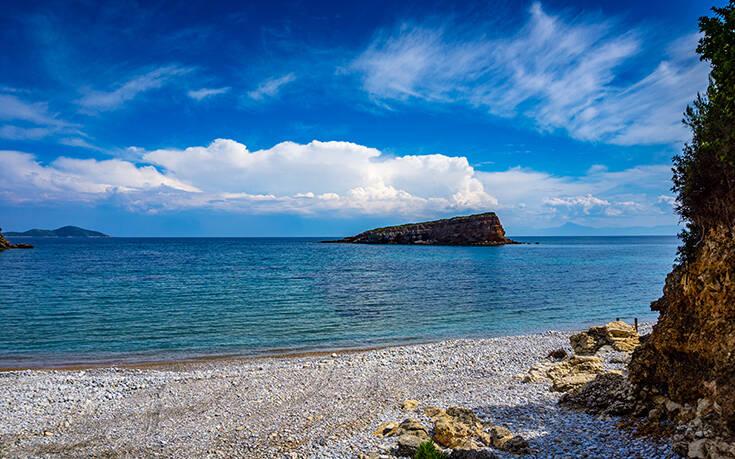 Μαγευτικές εικόνες από την υπέροχη παραλία της Αλοννήσου