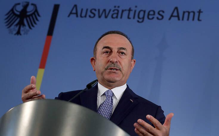 Τσαβούσογλου: Η Γαλλία δεν λέει την αλήθεια σε ΝΑΤΟ και ΕΕ – Στέλνουν όπλα στον Χαφτάρ