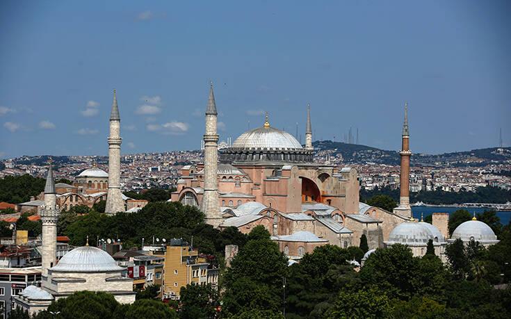 Ερώτηση του ΚΚΕ σε Μπορέλ για την «απαράδεκτη απόφαση μετατροπής της Αγίας Σοφίας σε τζαμί»