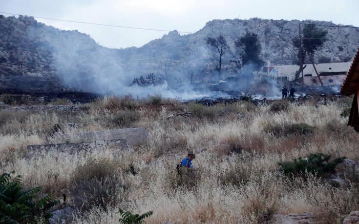 Φωτιά τώρα στη Βάρη στη συνοικία Χέρωμα