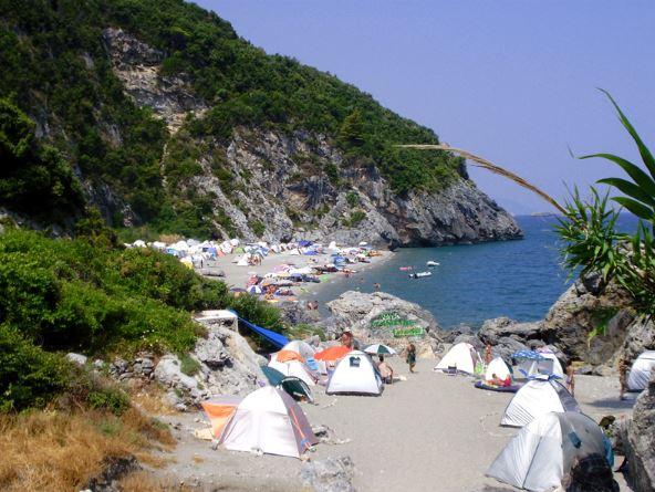Τραγωδία στην Εύβοια: 35χρονος πέθανε σε παραλία που έκανε κάμπινγκ