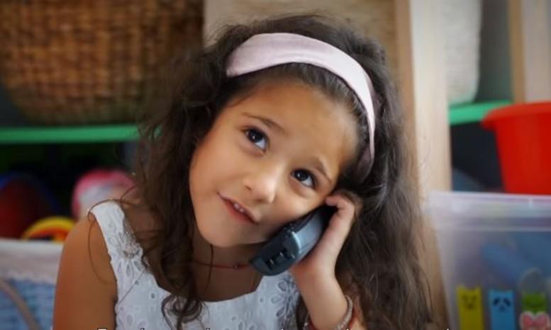 Viral κρητικό σποτ για τον κορωνοϊό: «Τα παράπονά σου στον Χαρδαλιά» [βίντεο]