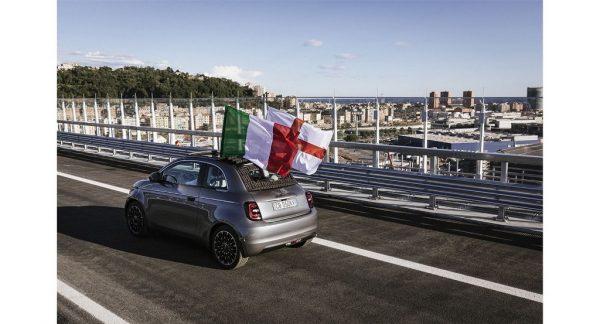 To ηλεκτρικό Fiat 500 εγκαινιάζει τη νέα γέφυρα San Giorgio στη Γένοβα